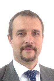 Abraham Saca Cárdenas : Encargado del Centro de Estudios de la Ciencia y del Espacio