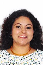 Elizabeth Hernández Mayo : Encargada del Departamento de Control Escolar y Titulación