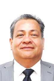 Néstor Javier Estrada Cortez : Director